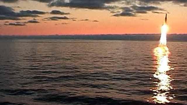 старт крылатой ракеты с подводной лодки