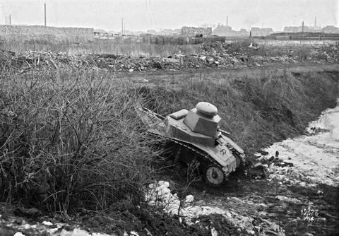 Т-16 - танк сопровождения (полковой). TIEnH