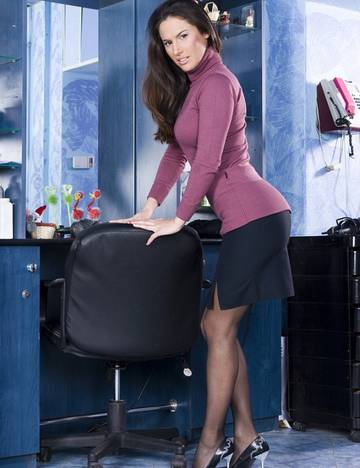 Linda Brown (Linda Brown Fucks her Hairstylist) (2013) 1080p