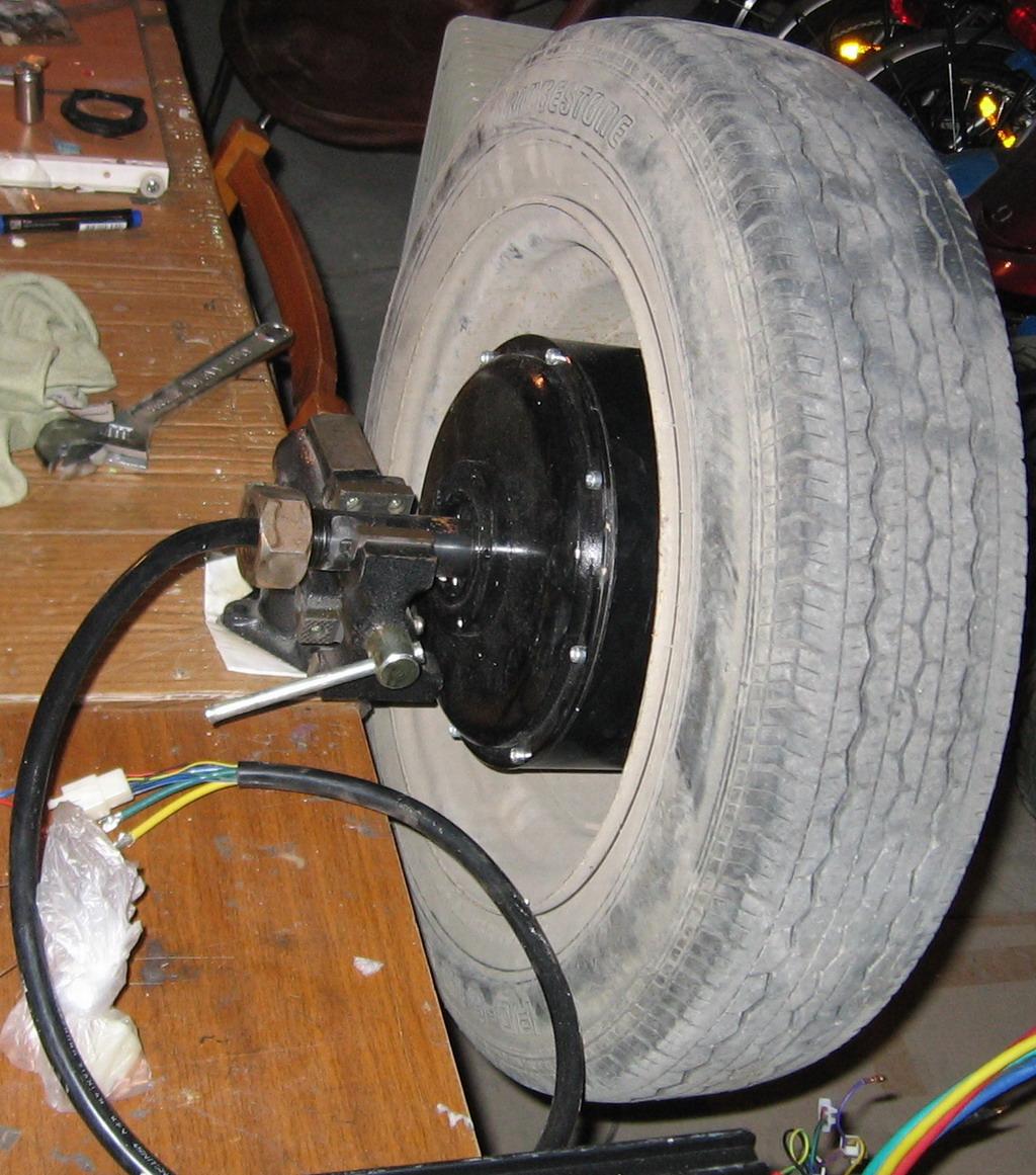 Мотор-колесо для электромобиля, как прикрутить к оси авто?
